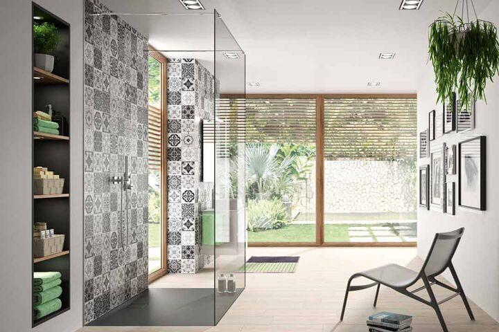 Wandverkleidungen für Duschen