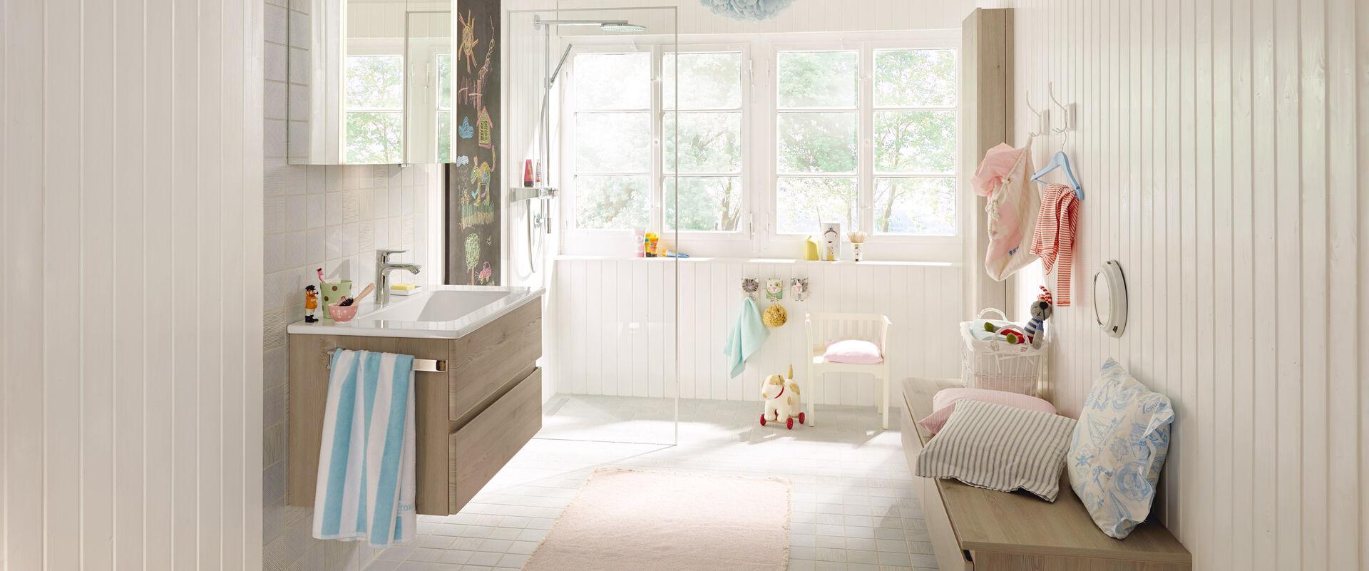 badm bel bel von burgbad au en schlicht innen vielseitig und flexibel. Black Bedroom Furniture Sets. Home Design Ideas